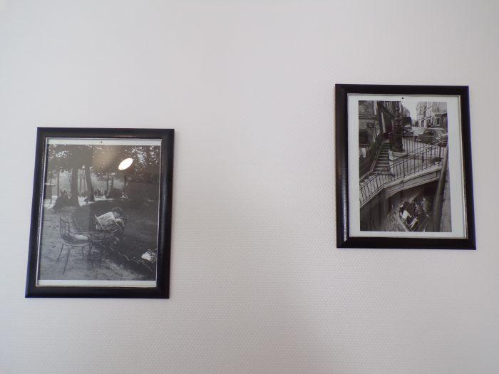2 cadres photos de l'entrée du gite Chez Marion à Dozulé