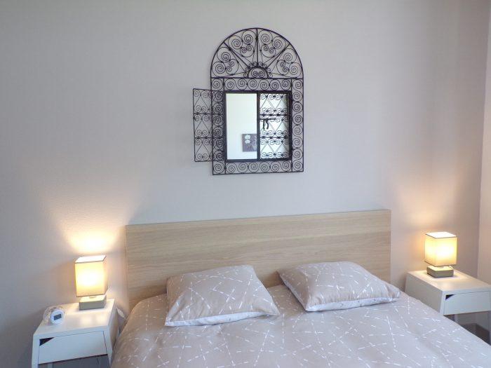 haut de lit dans la chambre adulte gite chez Marion à Dozulé