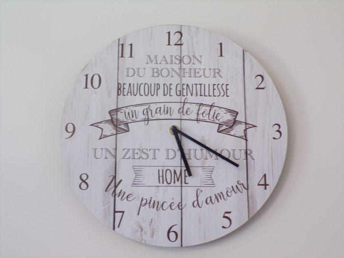 horloge cuisine gite chez Marion à Dozulé